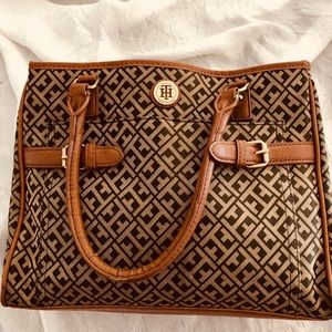 👜Tommy Hilfiger Purse leather Brown & Cream Gold
